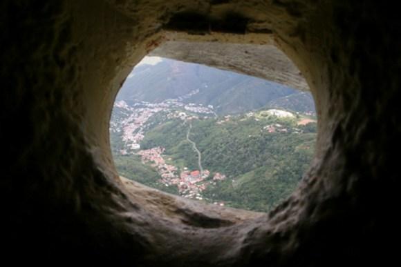 Colosal Virgen Paz venezolana 3