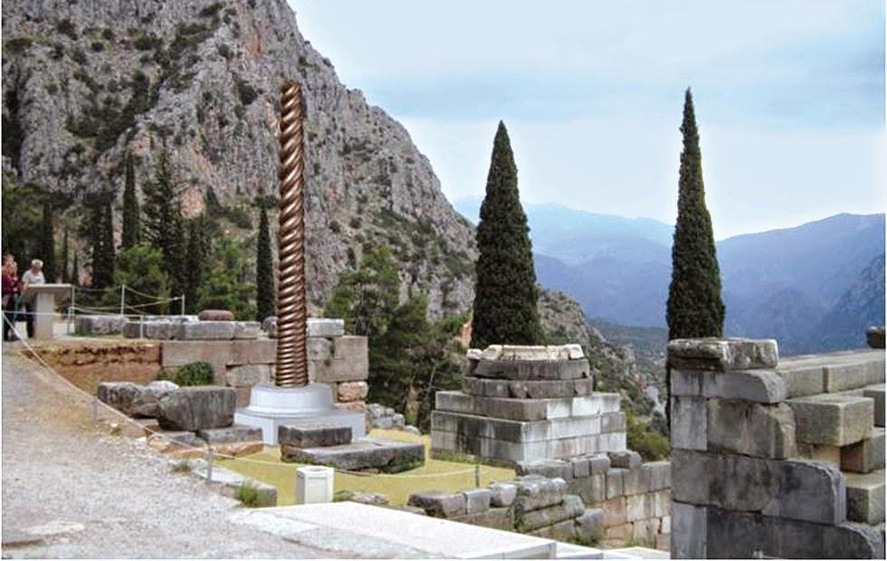 La Columna de las Serpientes, un símbolo que vuelve a Delfos en forma de réplica