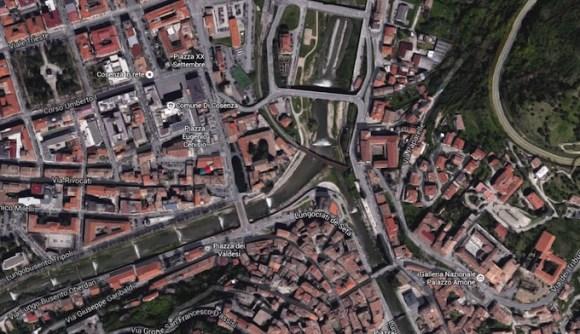 Confluencia de los ríos Crati y Busento, en el centro de Cosenza