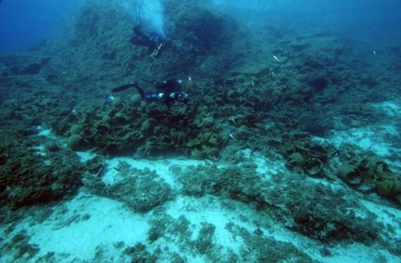 2-greek-wrecks-151028