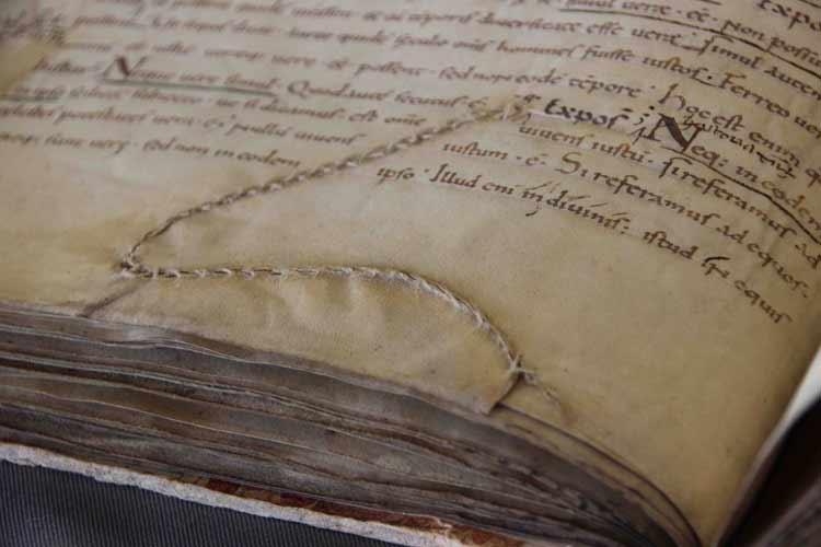 El pergamino, soporte del saber medieval