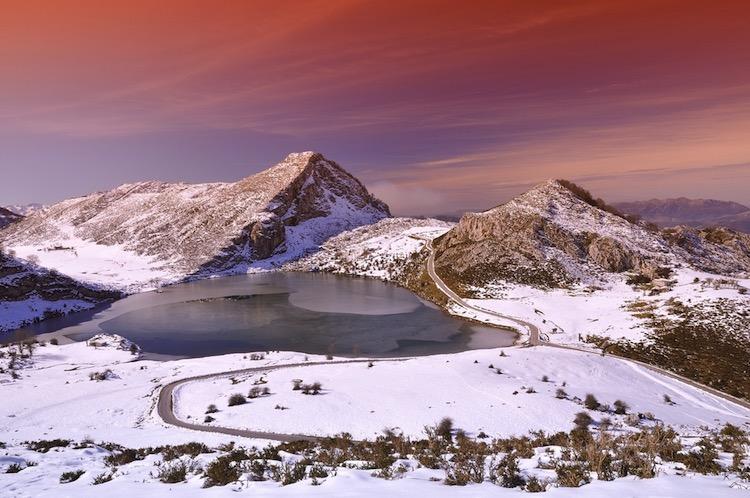 Lago Enol / Shutterstock