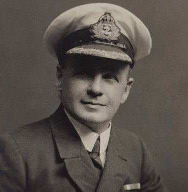 Heroico oficial Titanic sobrevivio hundimiento dos guerras mundiales 4