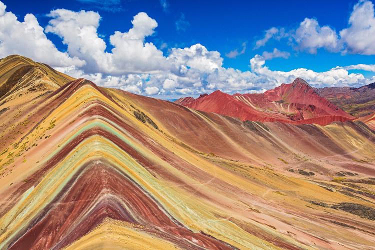 Montañas mil colores China Peru 3