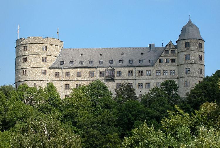 Encuentran miles libros ocultismo Kimmler niblioteca Nacional Praga