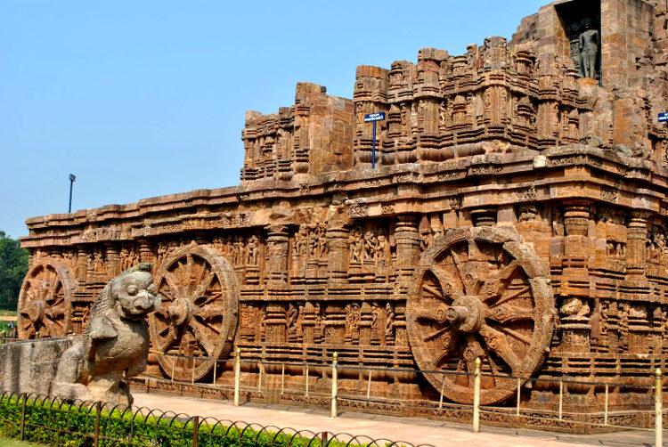 Espectacular templo forma carro honor dios hindu Suria