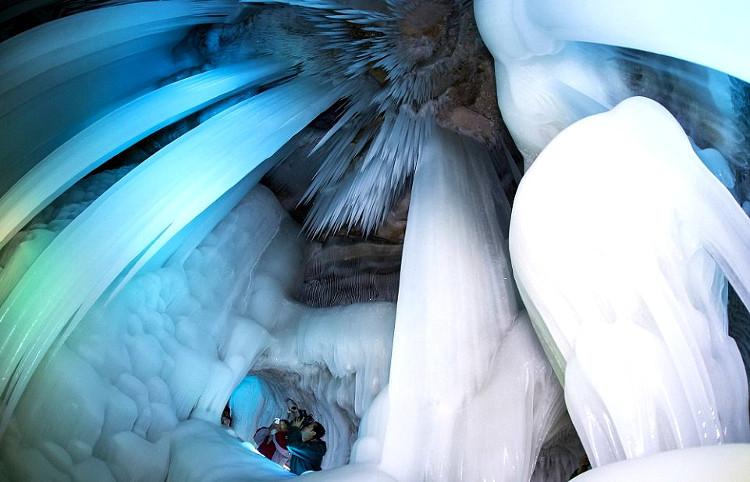 Gran cueva hielo china no derrite verano2