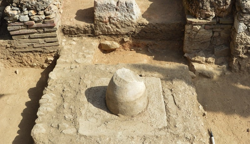 Un pozo oracular dedicado a Apolo en Atenas, el primero hallado en la ciudad
