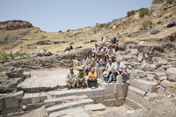 hippos-excavation-team