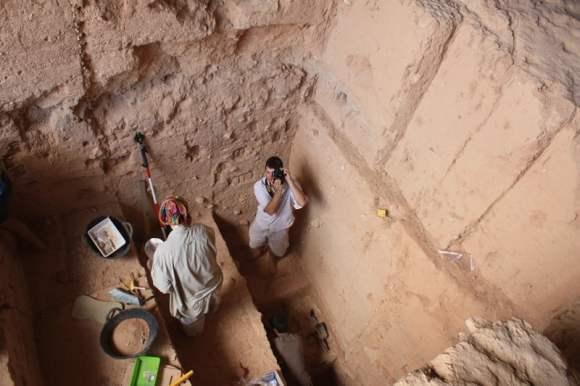 Descubrimiento de la capa de sedimentos con combustión