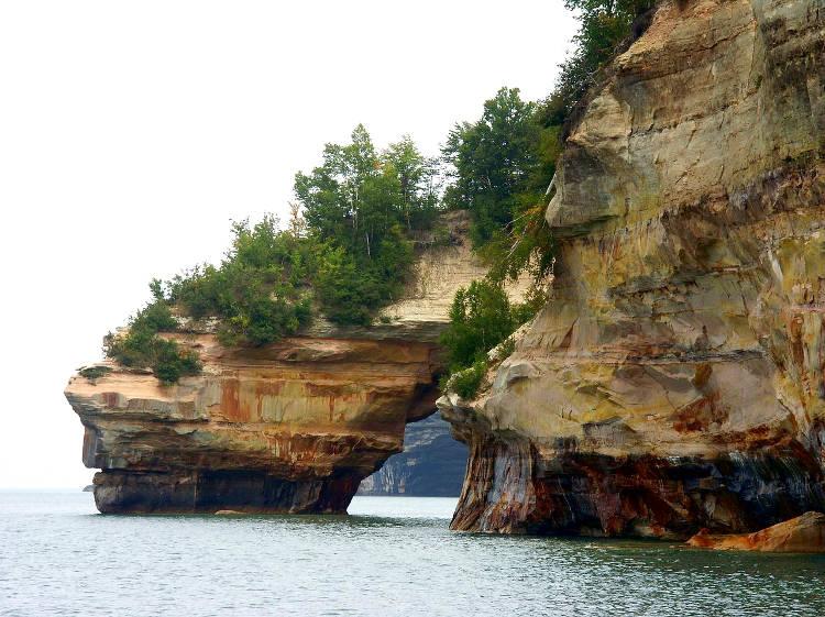 Las maravillas naturales Picture Rocks Natural Lakeshore 3