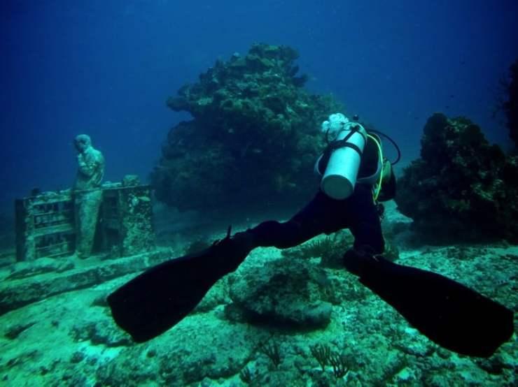 Museo subacuático de Cancún / foto Shutterstock