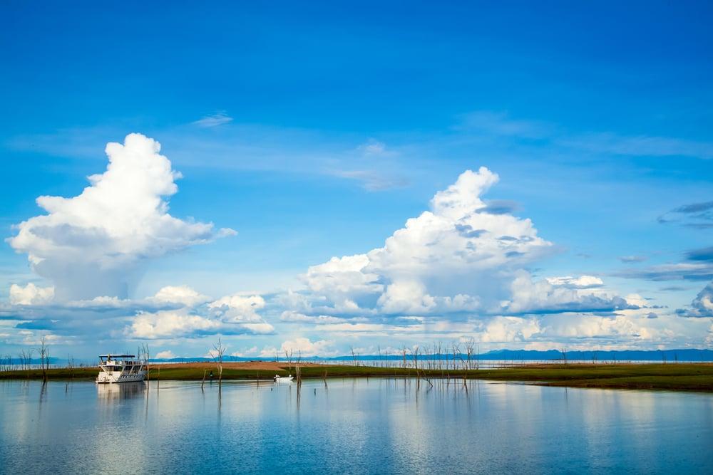 Las impresionantes dimensiones del Kariba, el lago artificial más grande del mundo en volumen