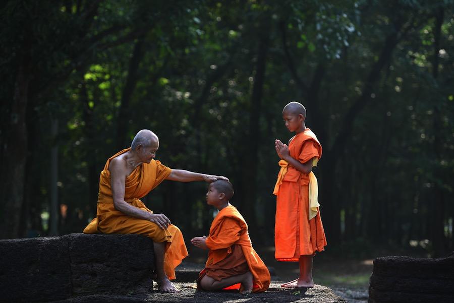 La ley china que obliga a los budistas a solicitar licencia administrativa para poder reencarnarse