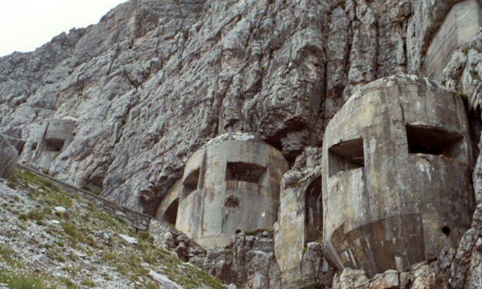 El Muro Alpino, la impresionante línea defensiva italiana excavada en la roca de los Alpes