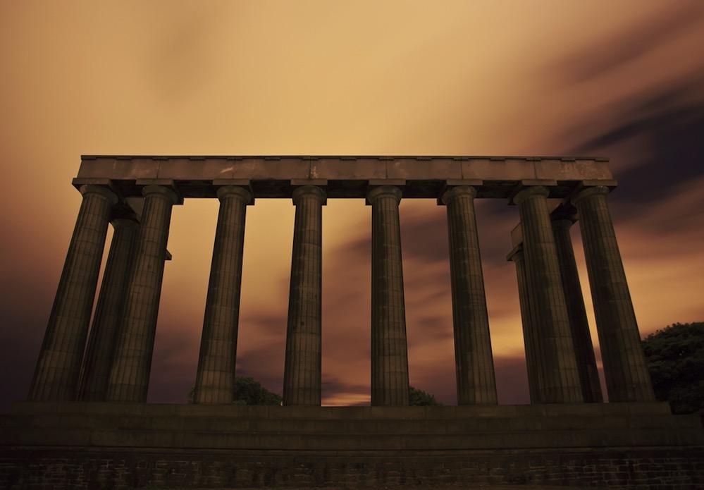 El Monumento Nacional de Escocia, una inacabada réplica del Partenón