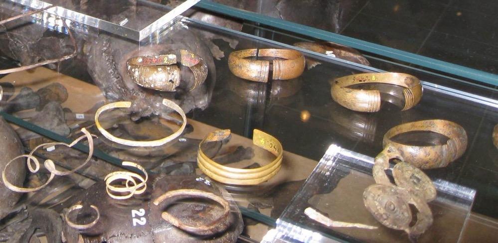 El metal de joyas encontradas en un enterramiento de la Edad del Hierro en Finlandia procede del sur de Europa