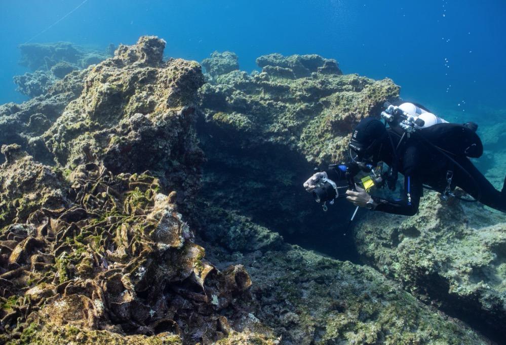 Encontrados cinco naufragios de distintas épocas y anclas de piedra piramidales en el estrecho de Kasos