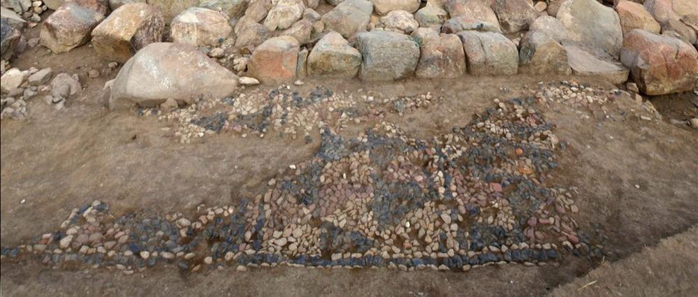 Encuentran el mosaico más antiguo del mundo en el yacimiento hitita de Usakli Hoyuk en Turquía
