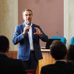Conferenza Notti ricercatori - Leonardo Alfonsi Sharper