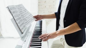 Persona-che-suona-il-piano