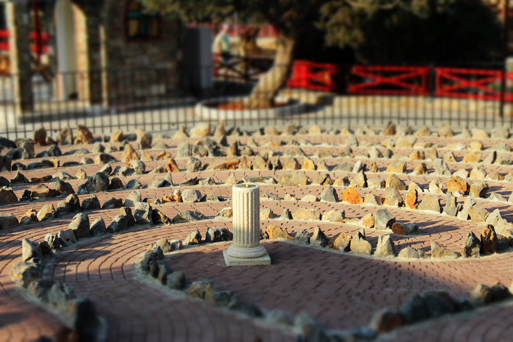 From simple designs to the larger cretan stone design, the Labyrinth Park is a cultivation of labyrinth and maze