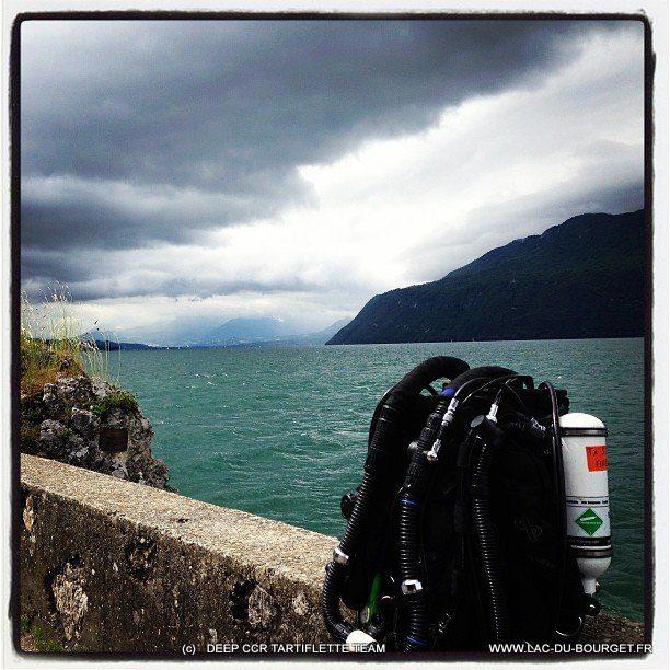 Un lac du Bourget qui a du mal à Sortir de l'hiver en ce mois de Juin 2013, pas mal de particules et la tempête en surface, et mes letilles de vue qui se barrent !