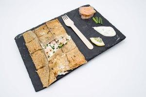 présentation galette saumon La Cabane du Breton Crêperie Restaurant à Arcachon