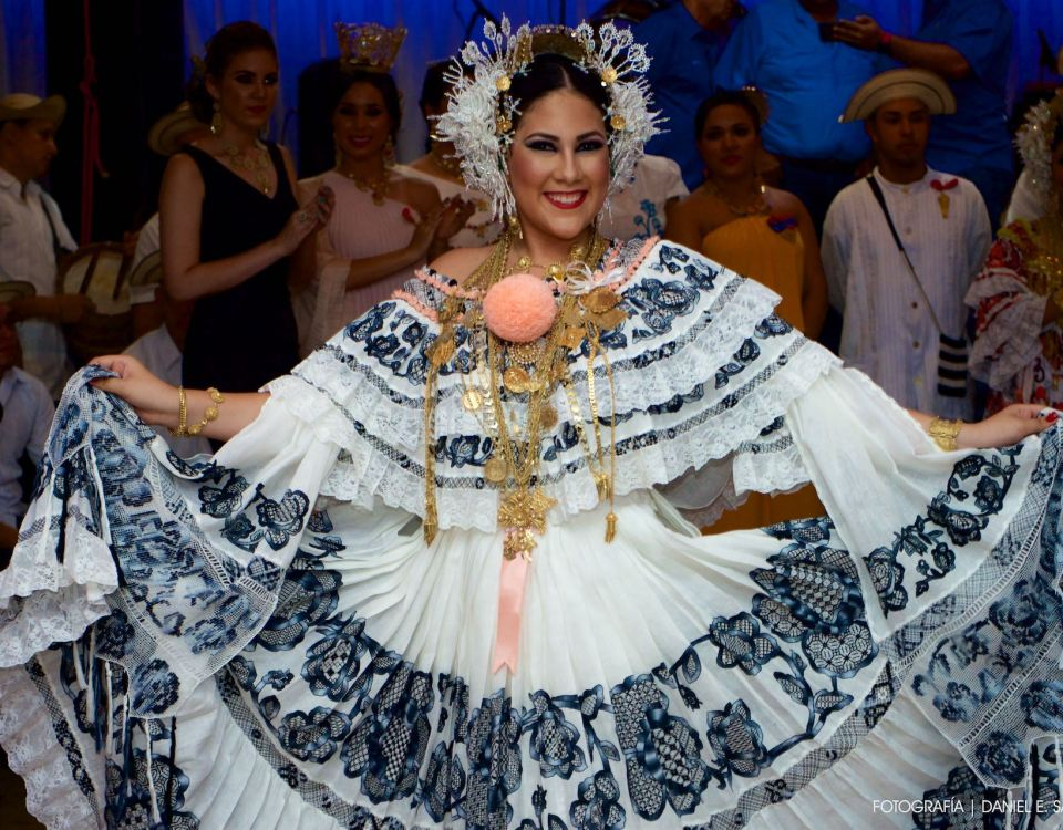 Valeria Alejandra - Pollera Panameña