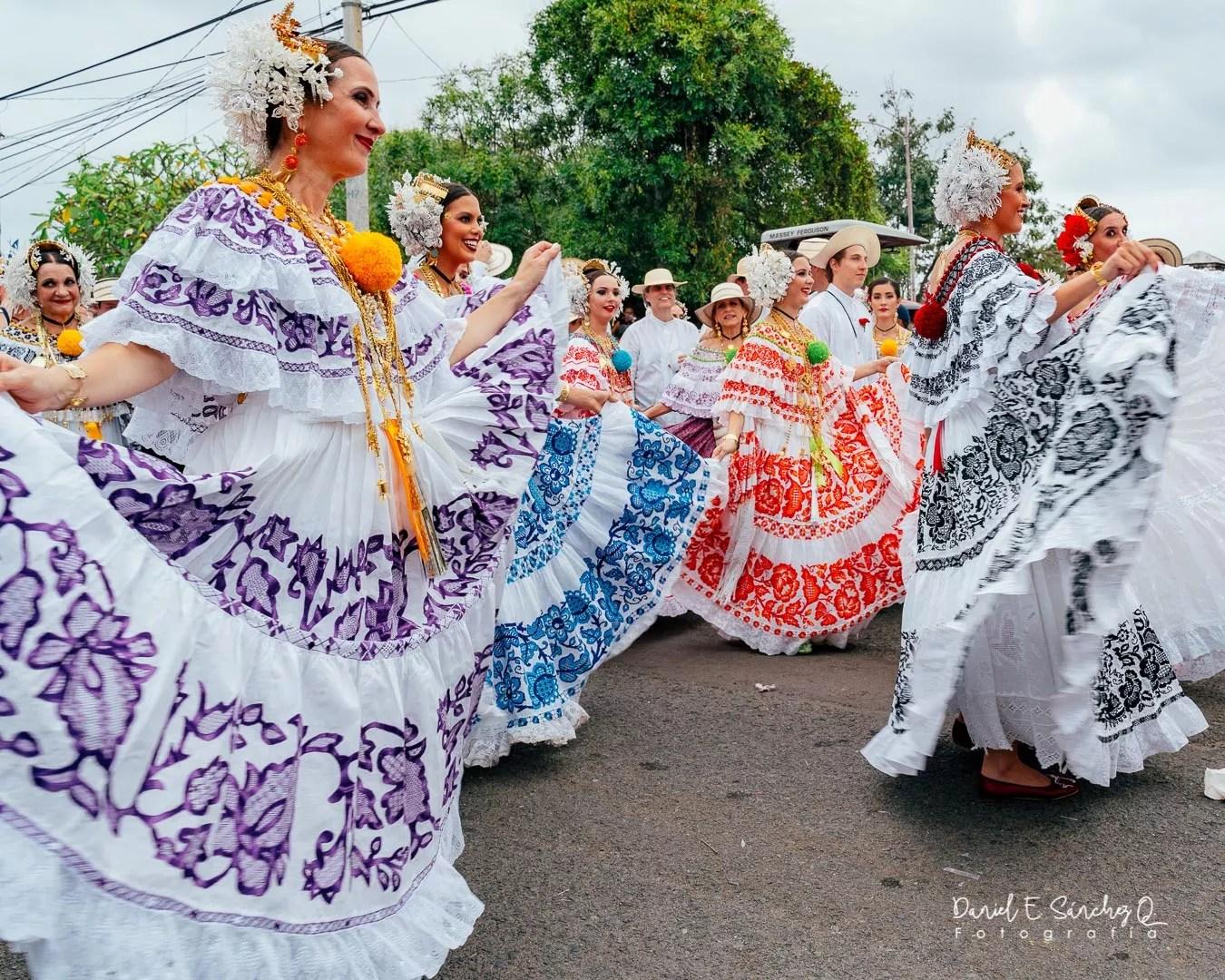 Pollera de lujo - Desfile de las Mil Polleras 2020