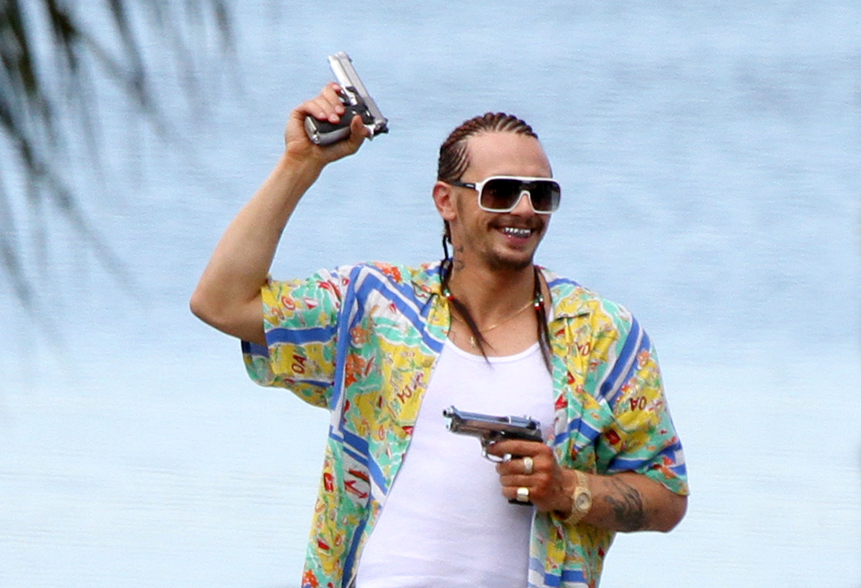 The Drew Reviews: MOVIE REVIEW: SPRING BREAKERS - Come for