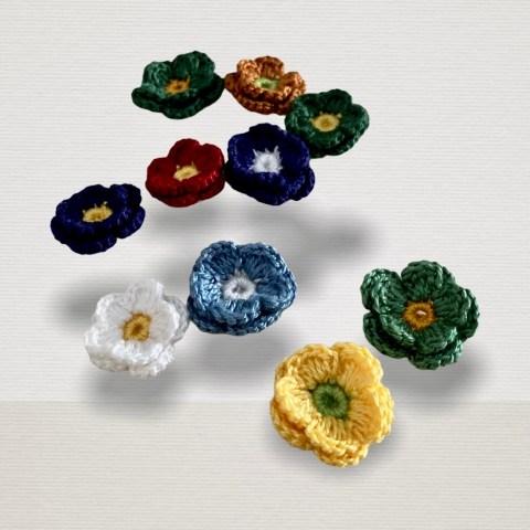 Farbige Ansteckblumen