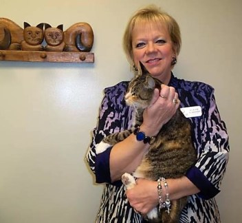 LACASA Cat Tabitha with Bobette Schrandt (2)