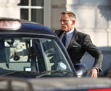 skyfall-londres-james-bond-daniel-craig-coche