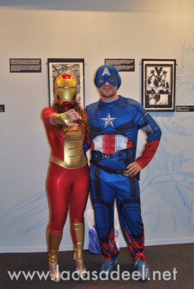 Cosplayers Iron Man Capitán América Salón Cómic Barcelona