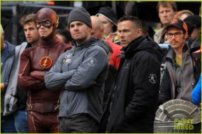 grant-gustin-stephen-amell-the-flash-arrow-crossover-07