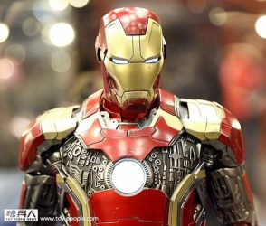 hot-toys-at-toy-soul-2014_14