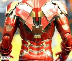 hot-toys-at-toy-soul-2014_16