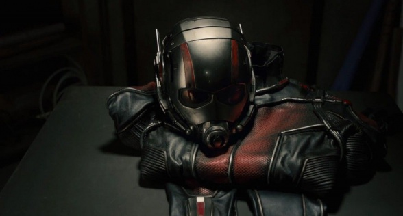 Ant-Man Trailer - el uniforme