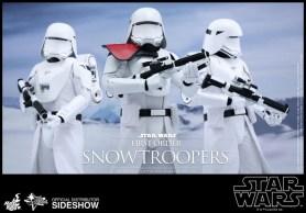 Hot Toys Star Wars VII 30