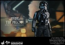 Hot Toys Star Wars VII 37