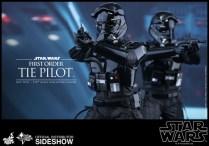 Hot Toys Star Wars VII 38