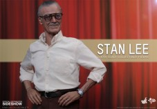 Stan Lee Hot Toys 3