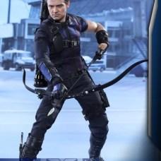 Hot Toys Hawkeye 3