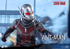 Ant-Man Hot Toys (15)