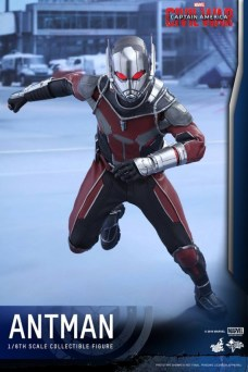 Ant-Man Hot Toys (2)