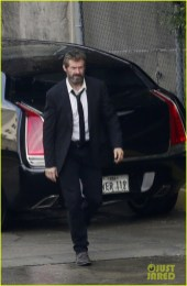 hugh-jackman-beard-wolverine-3-set-photos-01