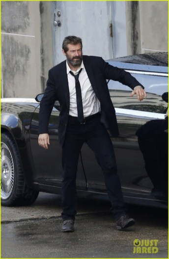 hugh-jackman-beard-wolverine-3-set-photos-11