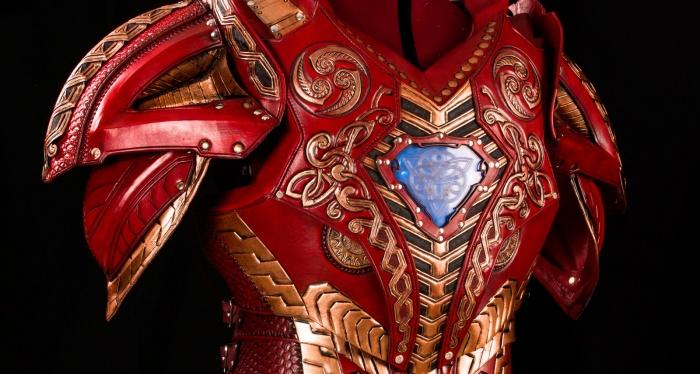 Iron Man armadura asgardiana Robert Downey Jr.