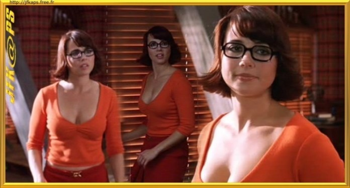 Linda Cardellini as Velma velma dinkley